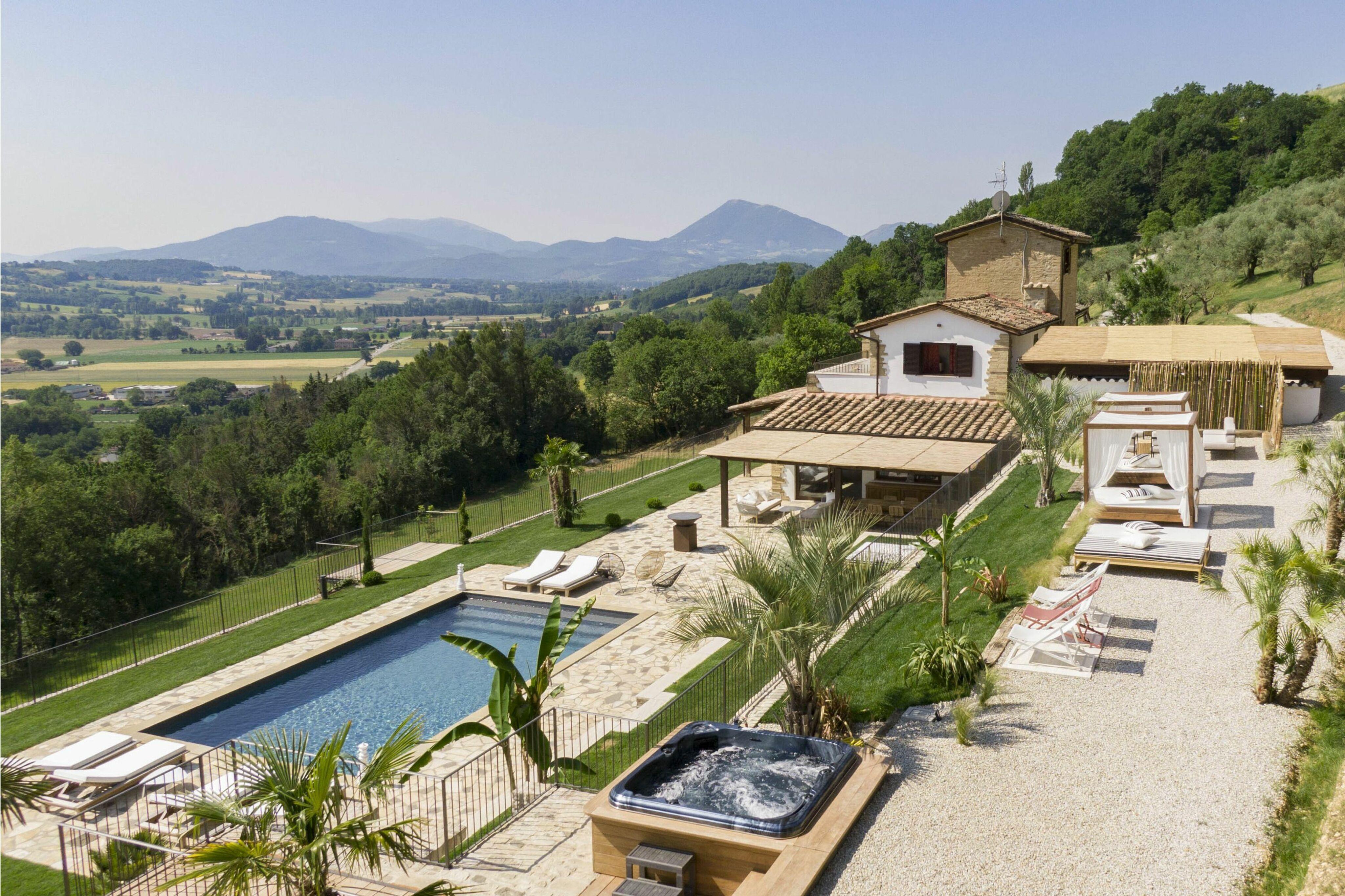 Villa Destino Montone